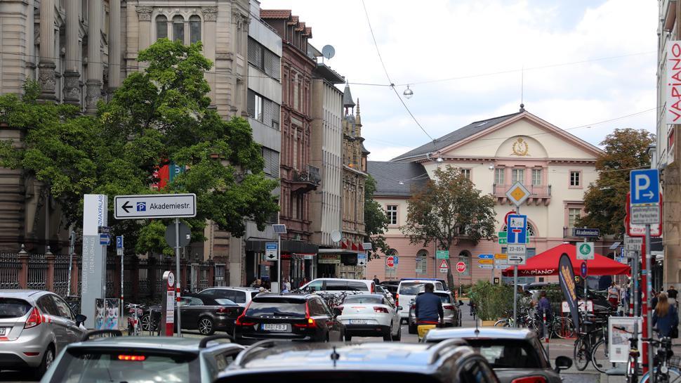 Karlstraße mit Blick auf die Münze