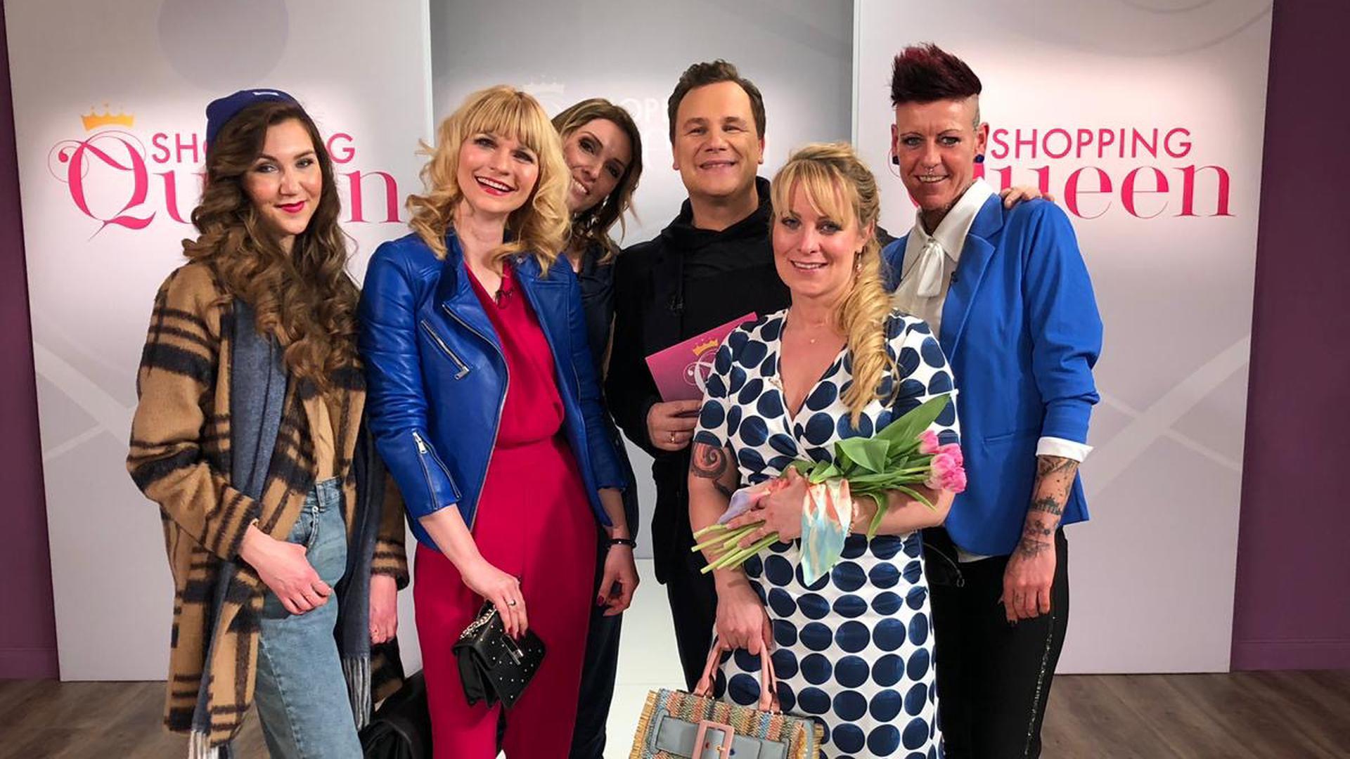 V.l.: Ellice, Monique, Shopping Queen Stefanie, Guido Maria Kretschmer, Caroline und Heike.