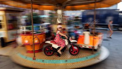 Karusell auf dem Marktplatz Karlsruhe