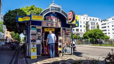 Bestand gesichert: Der Kiosk am Kolpingplatz bleibt erhalten. Der scheidende Inhaber hat einen Nachfolger gefunden.