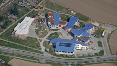 Parzival-Schulzentrum in Karlsruhe-Hagsfeld Luftbild vom 12.04.2009