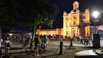 19.06.2021 Polizei räumt ab 22:30 Uhr den Schlossgarten