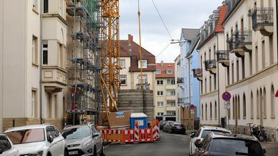 Baustelle an einem Gebäude in der Draisstraße.