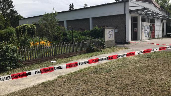 Die Polizei hatte einen größeren Bereich abgesperrt, ...