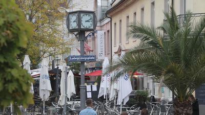 Uhr auf dem Ludwigsplatz