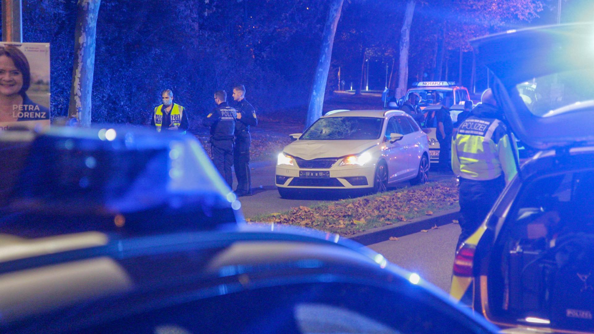 Polizei Autos Abend