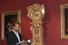 Versteigerung: Im Münchener Auktionshaus Hampel kommt demnächst diese markante Standuhr mit Bezug zum Haus Baden unter den Hammer. Über ihre Historie gibt es unterschiedliche Einschätzungen.