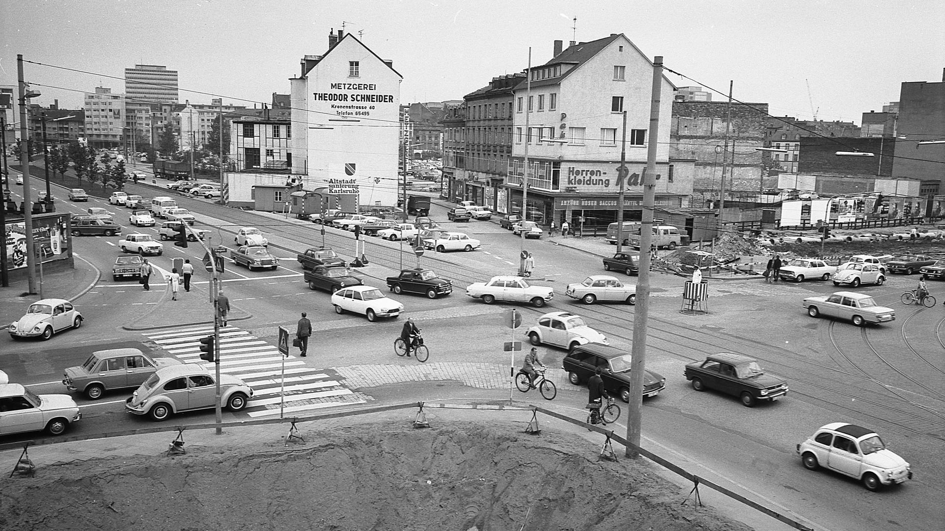 Blick auf den Mendelssohnplatz im Mai 1972