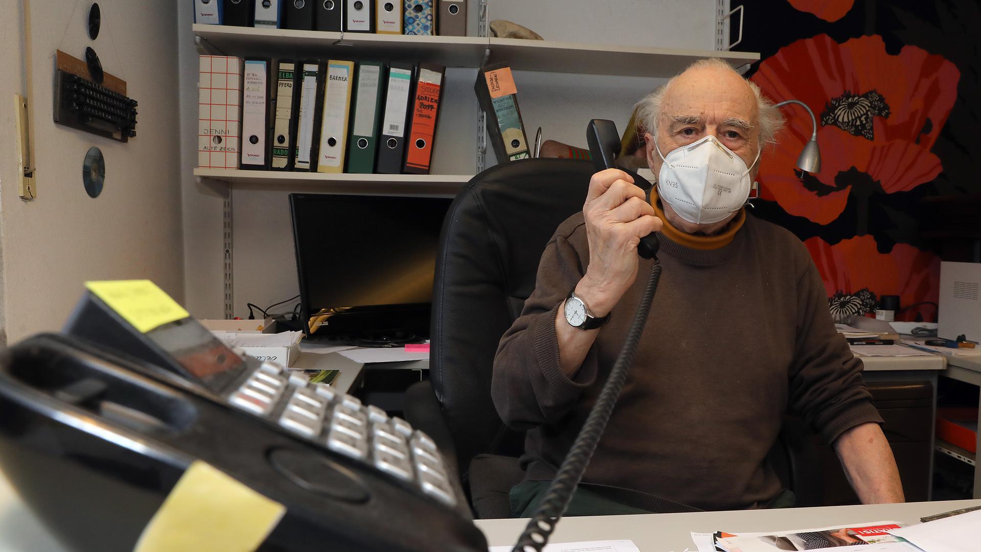 Dietrich Würzner am Telefon