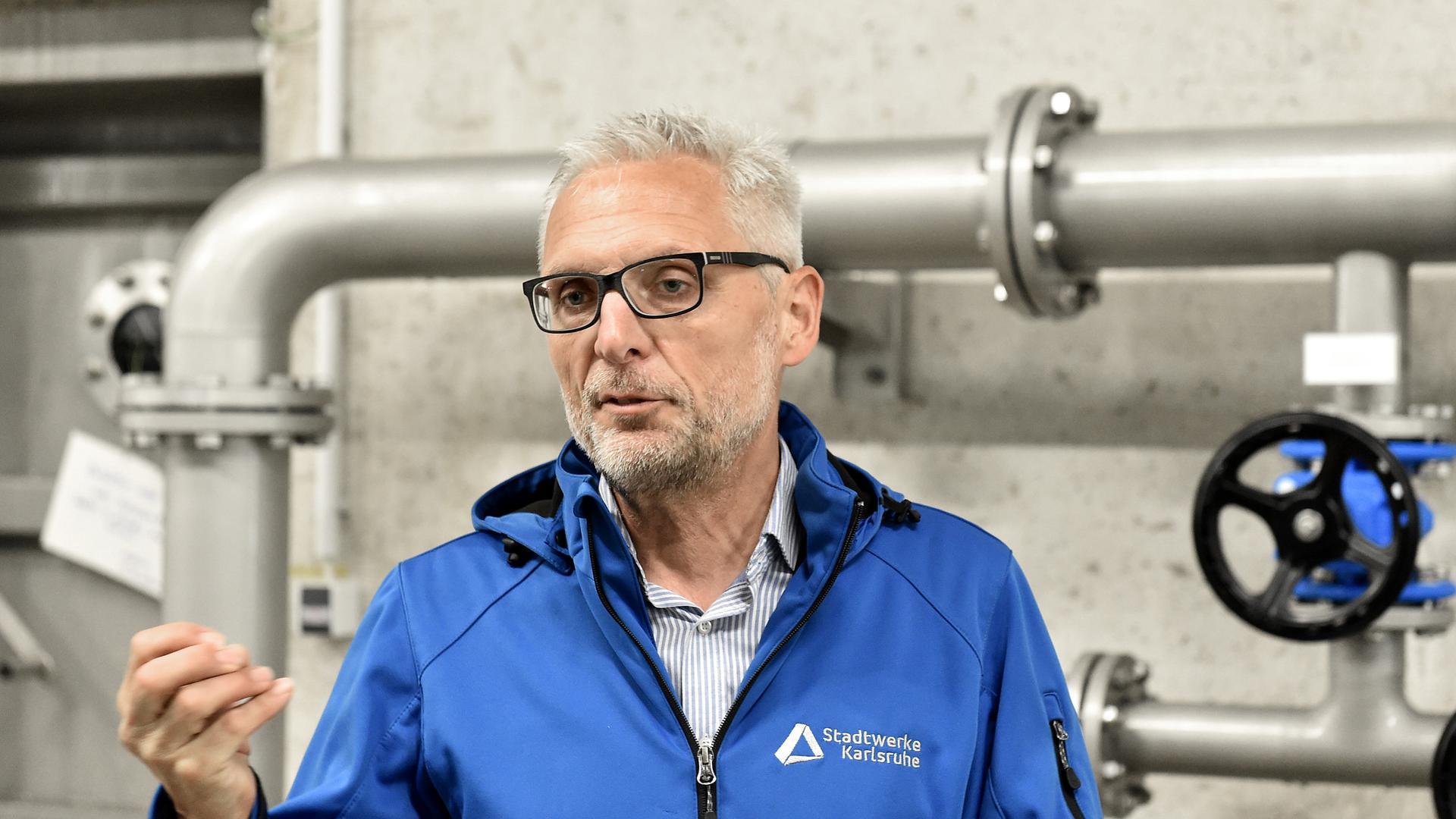 Matthias Maier, Leiter der Trinkwassergewinnung bei den Stadtwerken, glaubt nicht, dass Karlsruhe in einigen Jahrzehnten mit Wasserknappheit zu kämpfen hat.