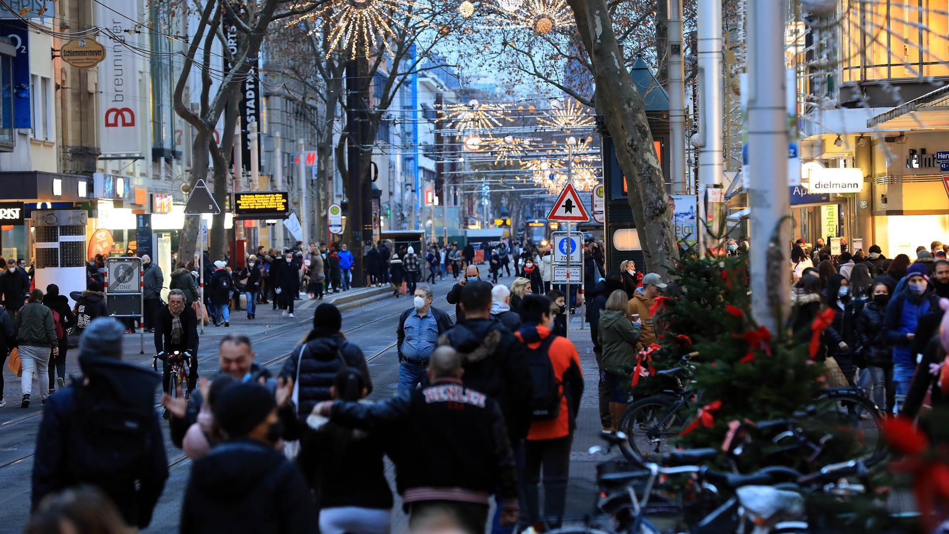 Blick in die volle Kaiserstraße