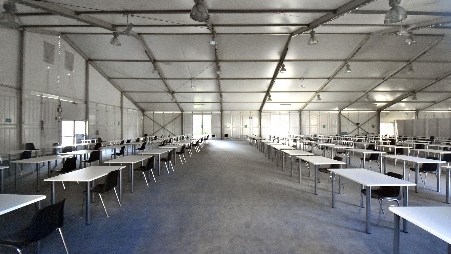 Raum für Prüfungen: Die Nutzung der großen Zelte weiter. Im Gegensatz zu angemieteten Räumen sind sie für das KIT durchgehend verfügbar.