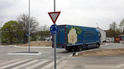 Baustelle bald abgeschlossen: Der Kreisverkehr in Bulach soll bald komplett sein. Anschließend sind nur noch kleinere Arbeiten vorgesehen.