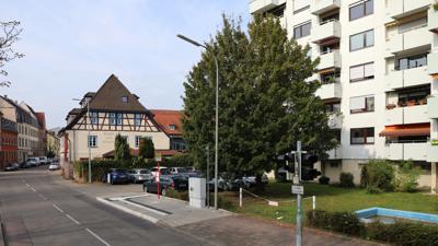 """Gasthaus """"Ochsen"""" in Durlach am 11. Oktober 2021 neben der Wohnanlage """"Am Blumentor"""", Ansicht von der Pfinzstraße"""