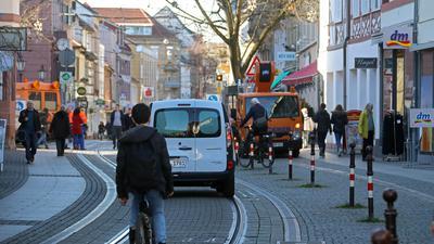 16.01.2020 Pfinztalstraße in Durlach, Blick von der Karlsburg Richtung Westen auf den Marktplatz und die Fußgängerzone