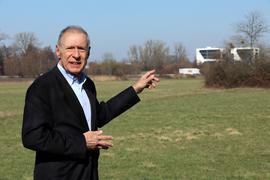 """1.03.2021 Den geplanten Sportpark in der """"Unteren Hub"""" in Durlach kritisiert Roland Kullmann von der Bürgerinitiative Untere Hub."""