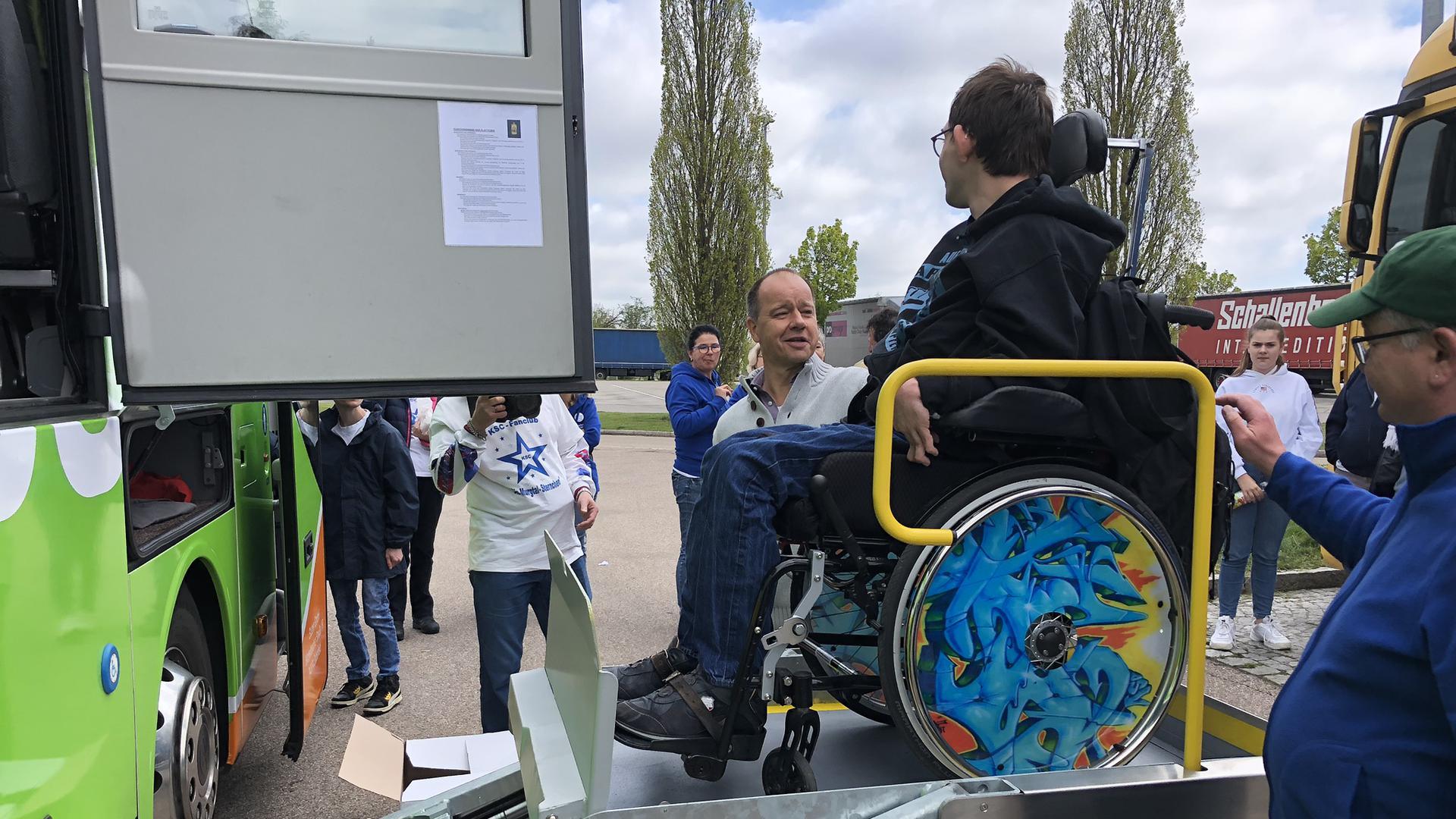 Rollstuhl Bus