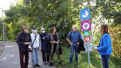 Mundart-Dichter bei der Eröffnung des Weges in Durlach