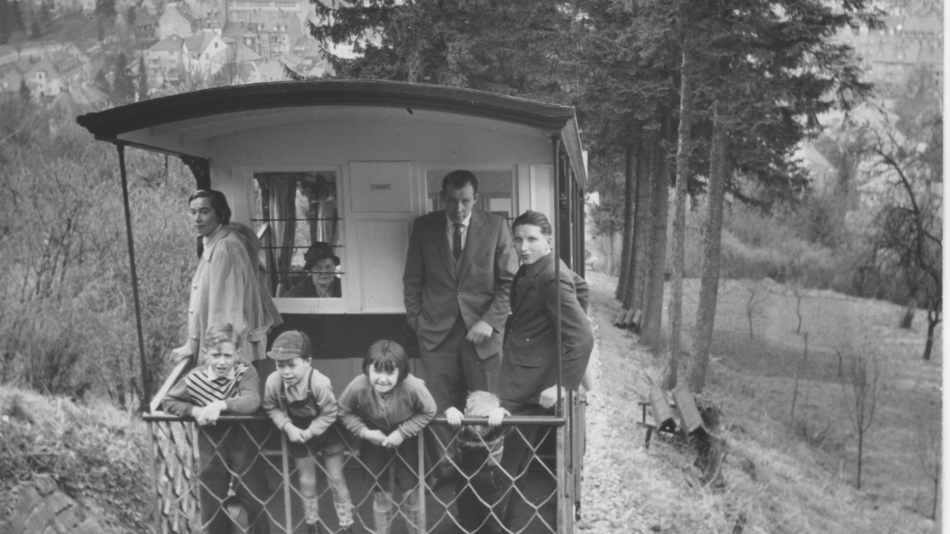 23.3.1959: Die Turmbergbahn am Durlacher Turmberg ist eine Wasserballastbahn. Foto: Horst Schlesiger
