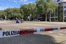 Die Polizei hat das Gebiet rund um den herrenloser Koffer in Durlach weiträumig abgesperrt.