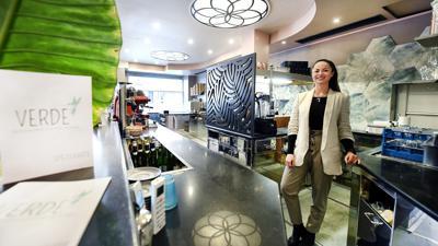 Lucija Buljan in ihrem Restaurant Verde & Eismanufaktur in der Karlsruher Kaiserstraße