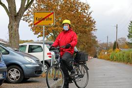 16.11.2020 Frage-Serie: Klaus Mayer am Stadtschild in der Hagsfelder Allee
