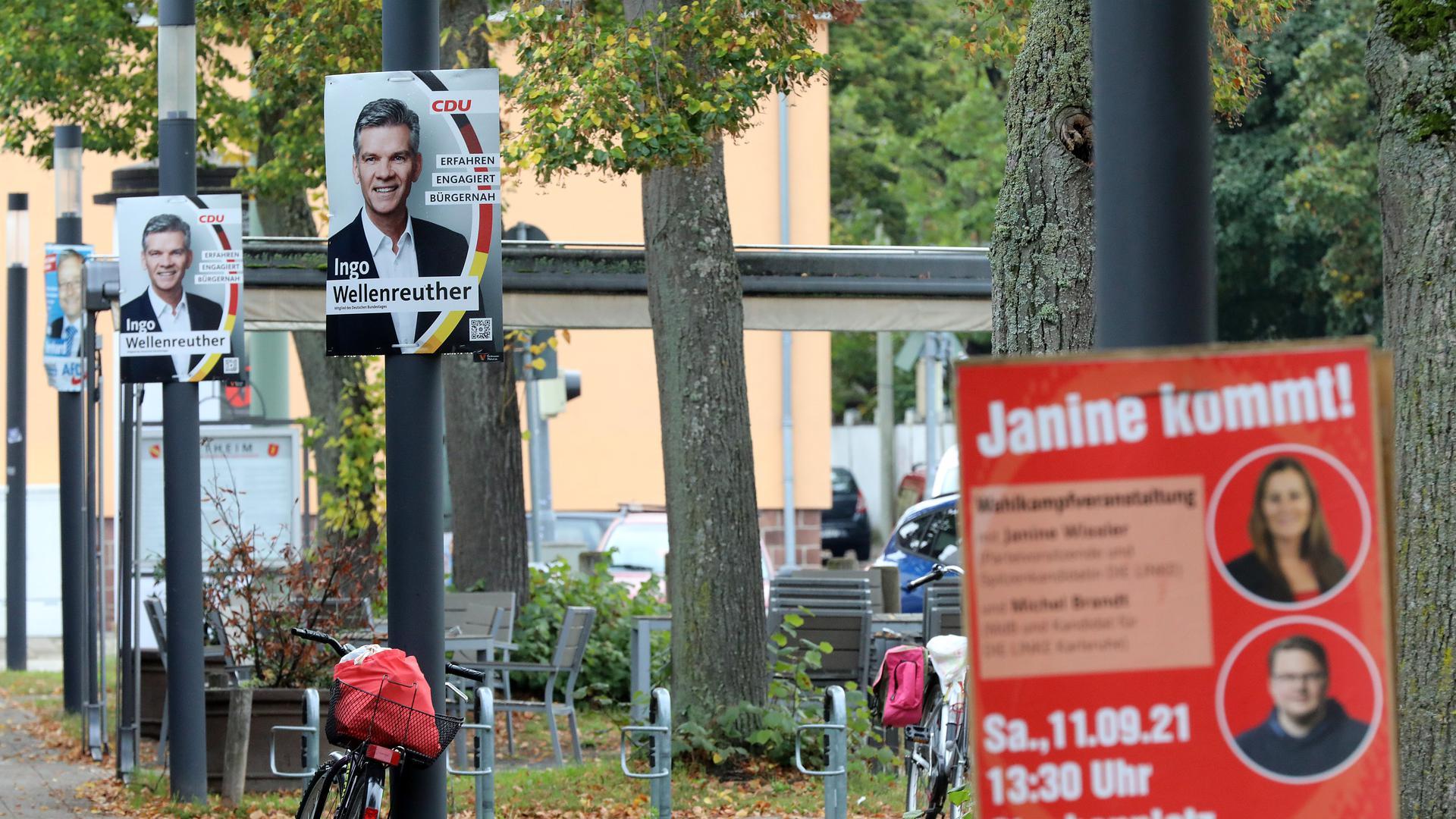 Plakate der Linken, der CDU und der AfD in Rintheim