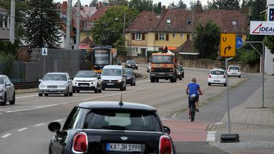Herrenalber Straße mit Verkehr