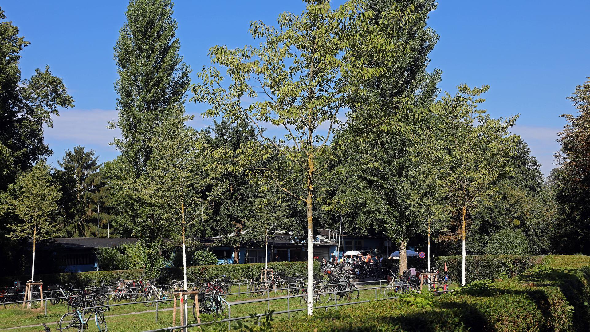 21.08.2020 Fahrradparkplatz vor dem Freibad Rüppurr