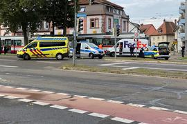 Unfall, Straßenbahn, Transporter, Sachschaden, Polizei