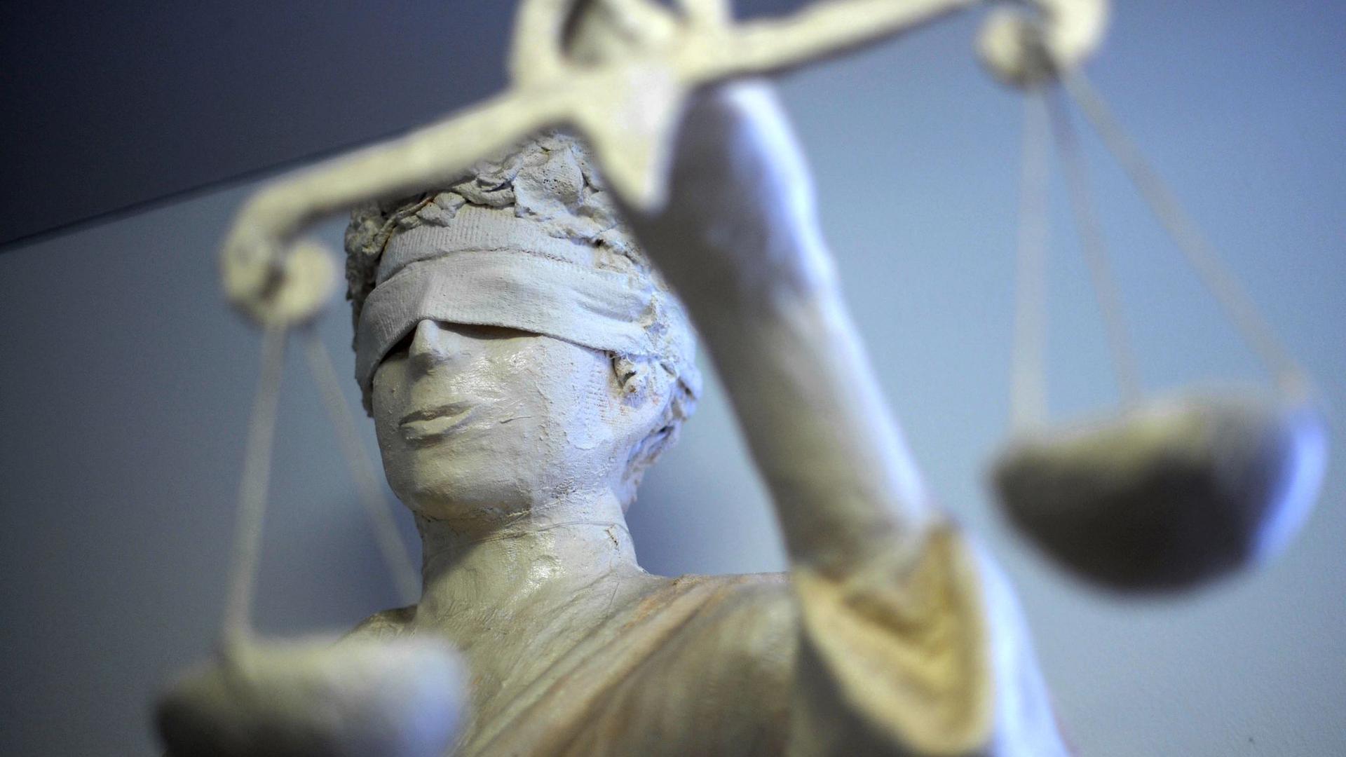 Die Statue Justitia.