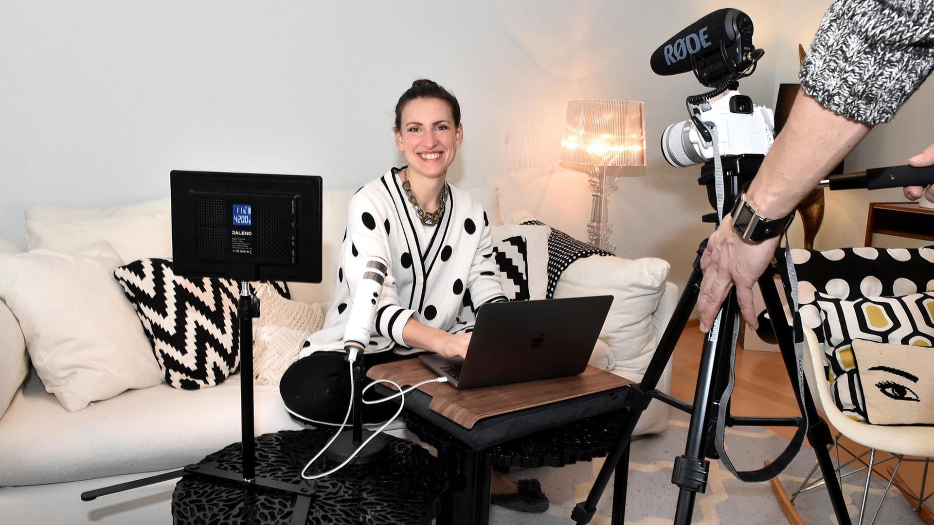 Frau Kamera Aufnahme
