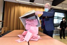 Wahllokal, Urne