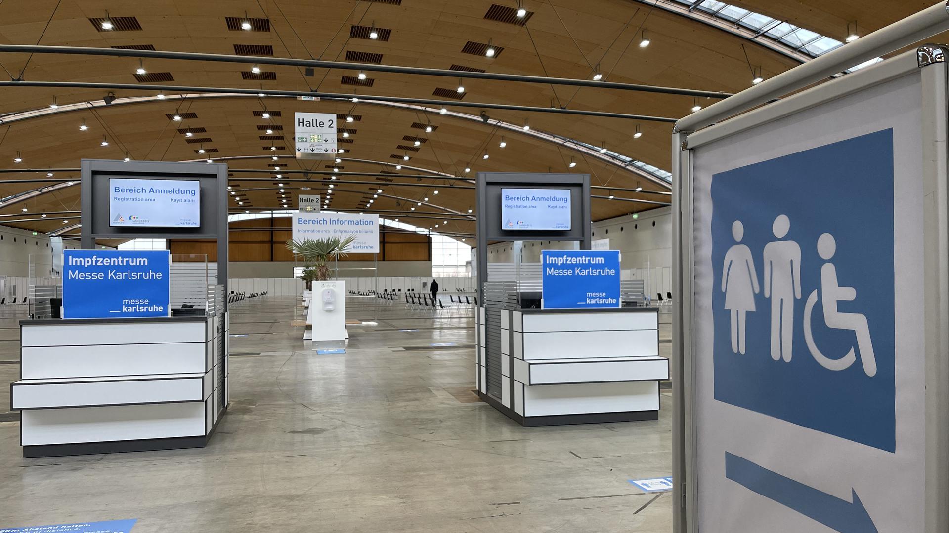 Anmeldung im Impfzentrum der Messe Karlsruhe