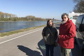 Heinz Stein und seine Frau Hannelore am Rhein