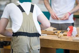 Nachwuchs gesucht: Die Handwerksbetriebe im nördlichen Landkreis Karlsruhe kämpfen um jeden Bewerber. Die Zahl der Auszubildenden sinkt stetig.