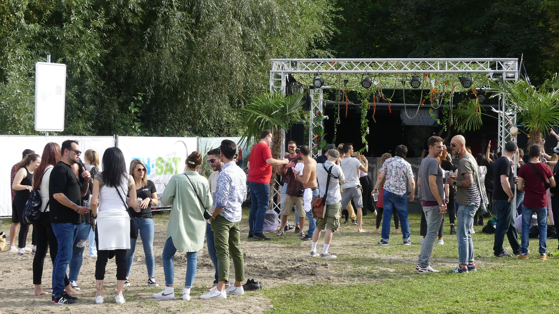 Besucher beim Pirate Open-Air-Festival