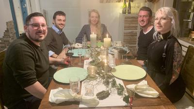 V.l.: Kevin, Massimo, Gastgeberin Claudia, Adrian und Amelie.