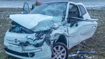Ein schwerer Verkehrsunfall sorgt am Mittwochnachmittag im Pendlerverkehr für erhebliche Verkehrsbehinderungen im Bereich Stutensee.