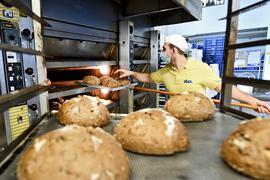 Nachwuchs gesucht: Auch die Bäckerei Visel, hier Michael Visel in der Stutenseer Zentrale, schaut derzeit noch nach Nachwuchs im Verkauf. Kandidaten sind rar.