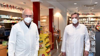 26.02.2021 Weingarten: die Apotheker Johann Kallenbach und Heinz Hüttner