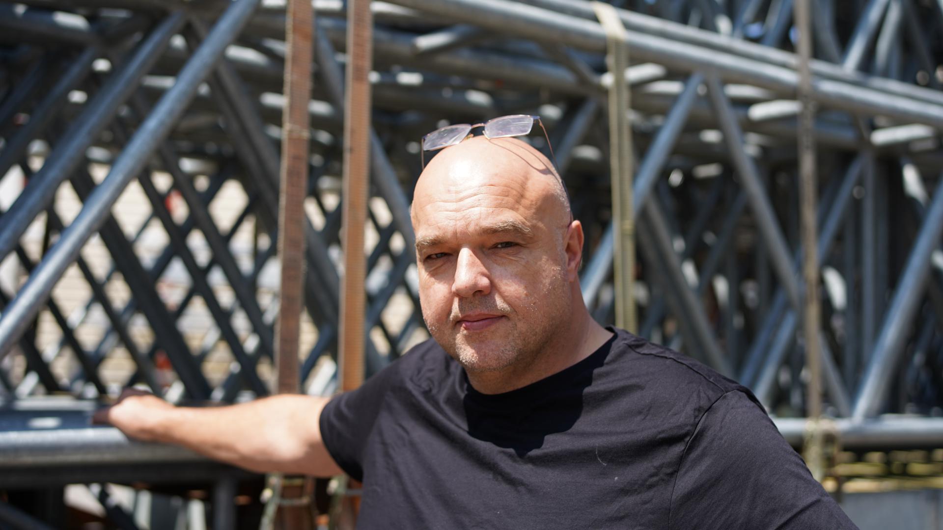Schwierige Lage: Megaforce-Geschäftsführer Michael Brombacher - das Unternehmen in Weingarten hat sich auf Bühnenkonstruktionen bei Großevents spezialisiert.