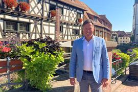 Von Weingarten aus möchte er nach Berlin: Hans-Günther Lohr ist Direktkandidat für die FDP im Wahlkreis Karlsruhe-Land.