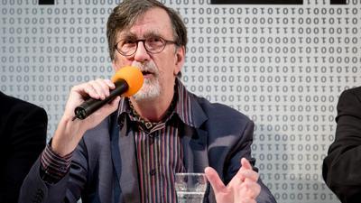 Der Soziologe Bruno Latour in einer Diskussionsveranstaltung des ZKM Karlsruhe.