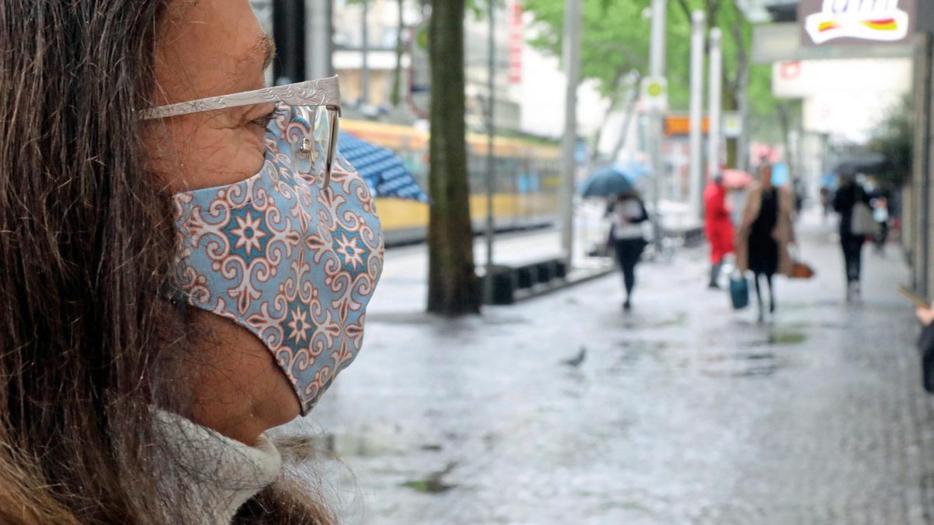 Streitobjekt: Wer von der Pflicht, einen Mund-Nasen-Schutz zu tragen, befreit ist, ist noch nicht allen klar.
