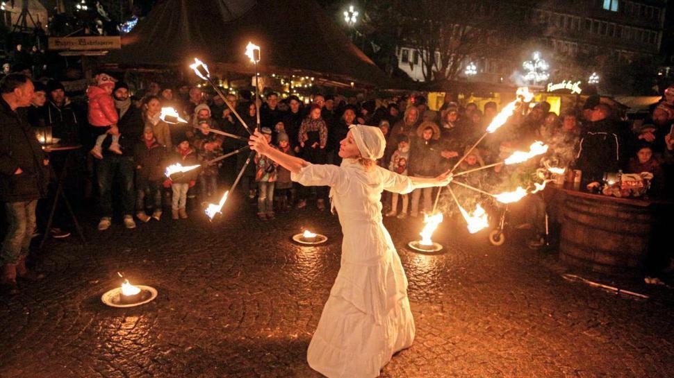 Ein Spiel mit dem Feuer konnten Besucher des Mittelaltermarktes in Pforzheim 2018 erleben. Auch in diesem Jahr wird es verschiedene Vorführungen geben.