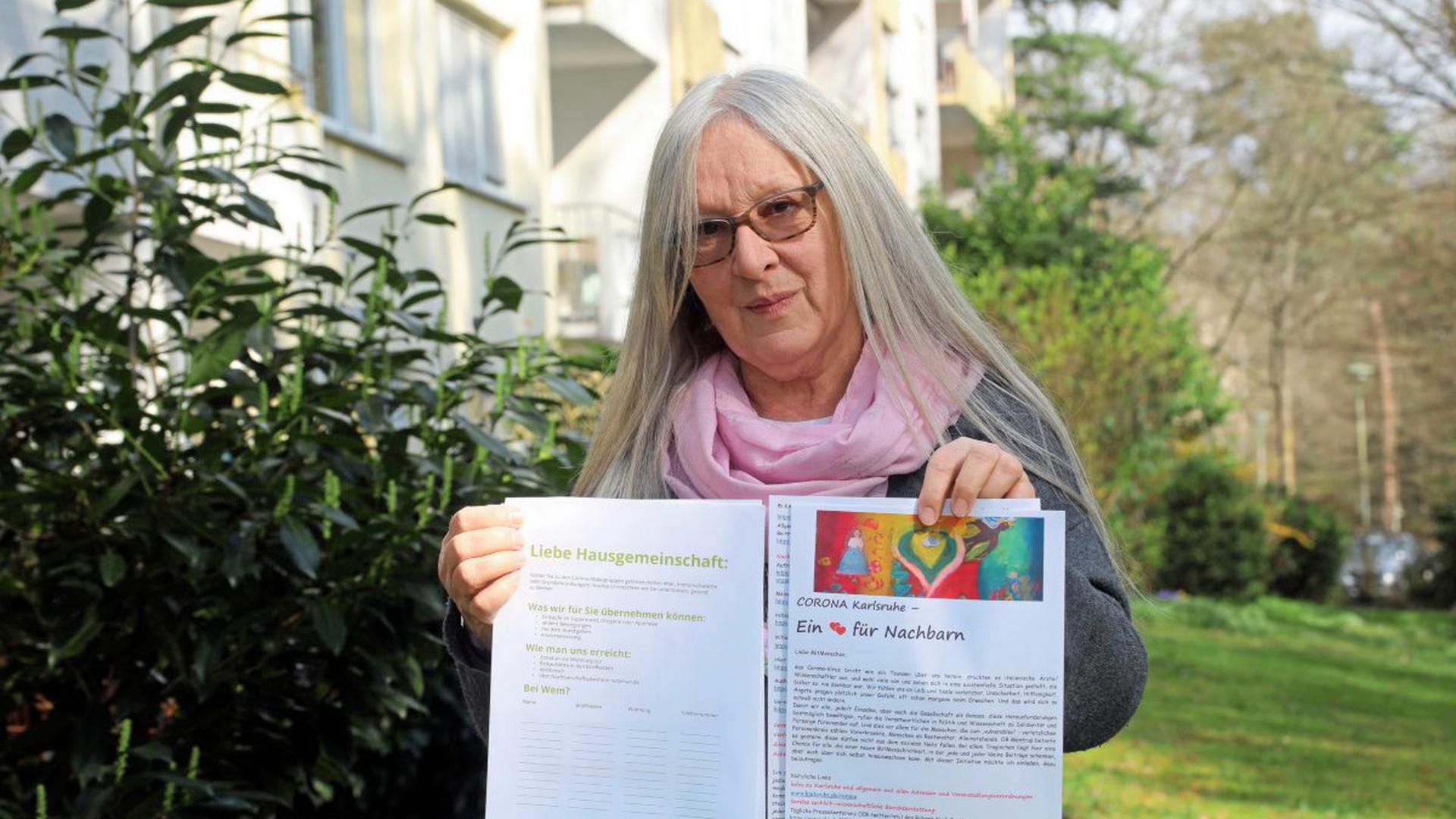 Helferin und Betroffene: Monika Seelmann hat eine eigene Initiative zur Nachbarschaftshilfe gestartet: Im Internet, am Telefon und in Form von Flyern.