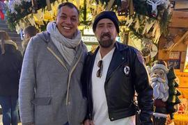 Hollywoodstar Nicolas Cage zu Besuch in Baden-Baden im Löwenbrau, hier mit Löwenbräu-Chef Mike Brandau.