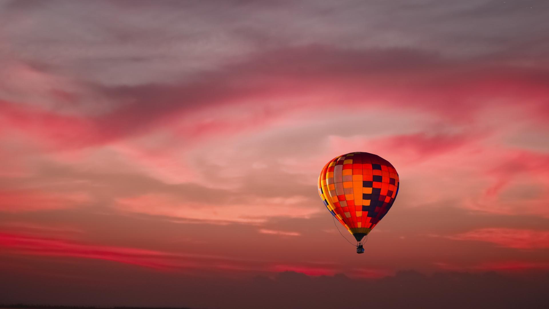 Ebenfalls im Angebot: Eine romantische Fahrt in einem Heißluftballon über Felder, Wiesen und Wälder der Region.