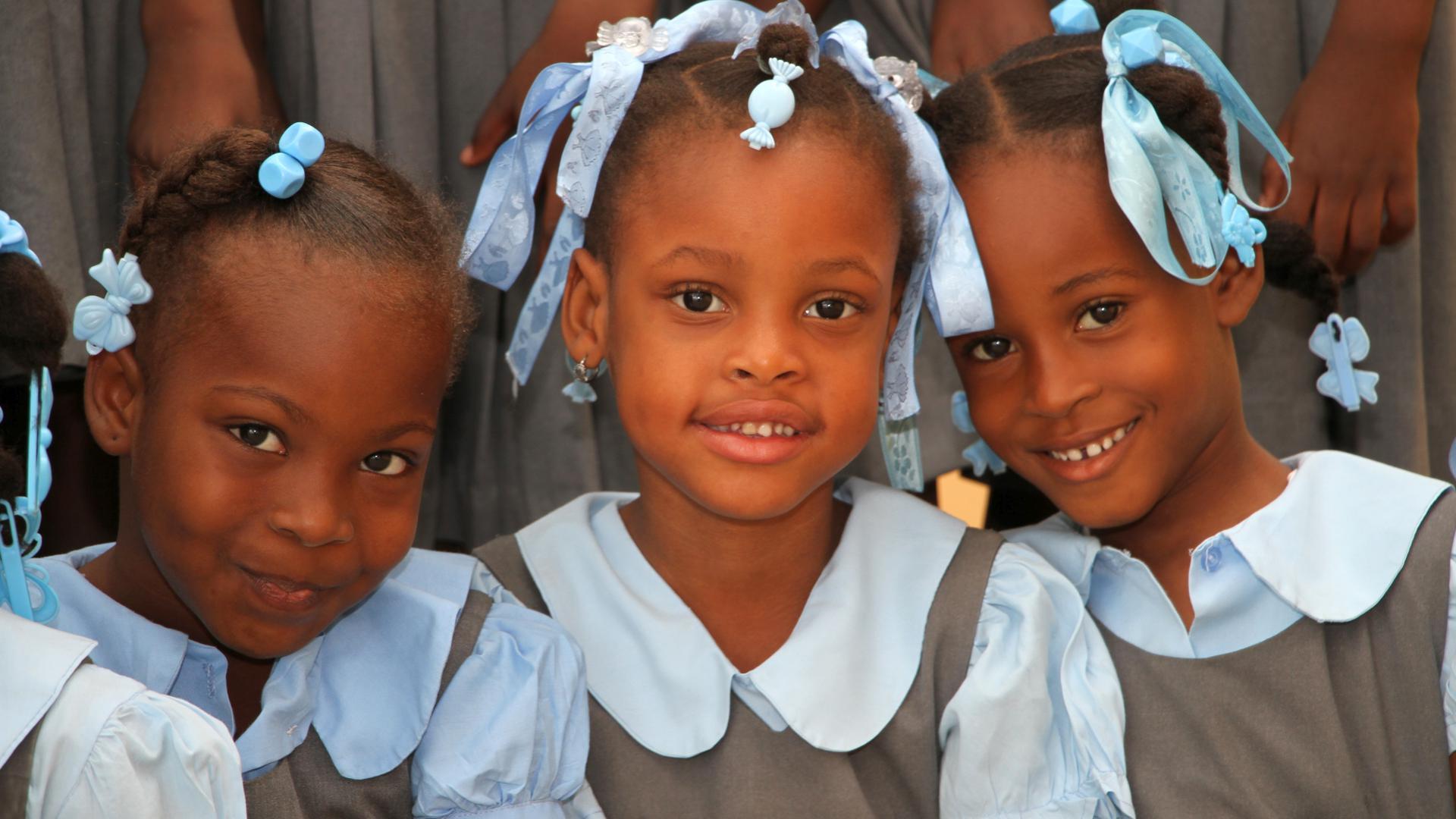 Um den Ausbau der St. André-Schule in Fond-des-Blancs im Süden Haitis zu bewerkstelligen und damit den Kindern eine ordentliche Schulbildung zu ermöglichen, initiiert die nph Kinderhilfe eine Charity-Auktion.